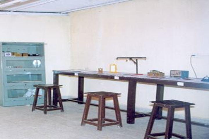 Pinewoods International High School-Physics Lab