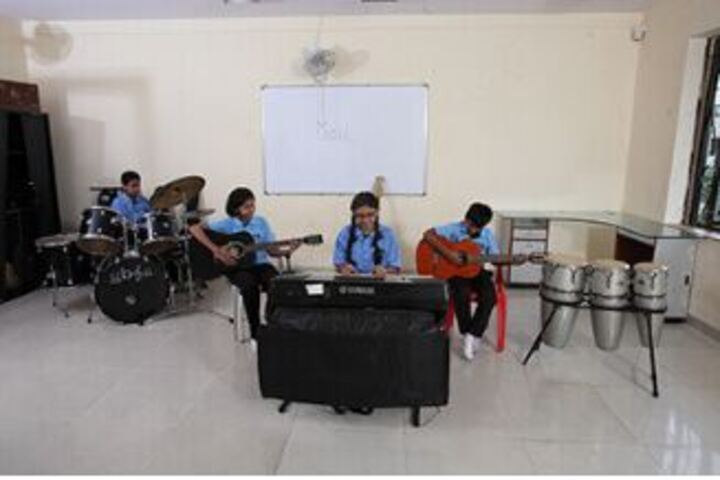 Lady Ratanbai And Sir Mathuradas Vissanji Academy-Music Room