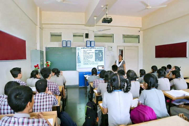 Goregaon Education Societys English Medium School-Smart Class