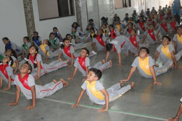 Meridian School-Yoga