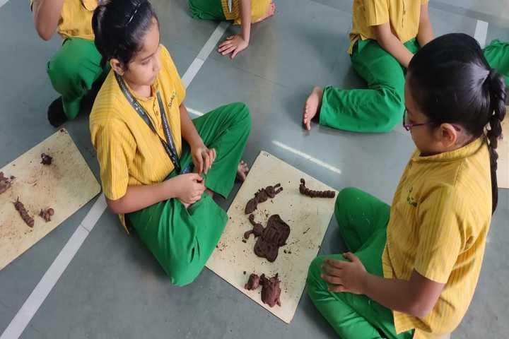 Shishuvan English Medium School-Art Making