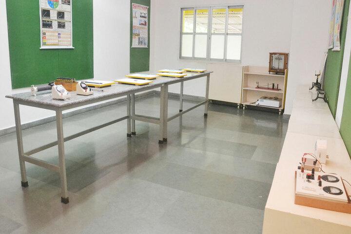 S A S Billabong High School-Physics Lab