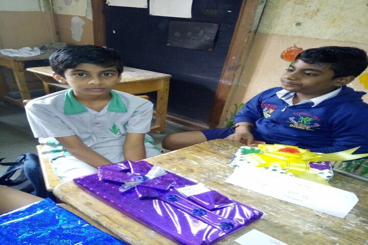 Vishwajyot High School-Gift Making