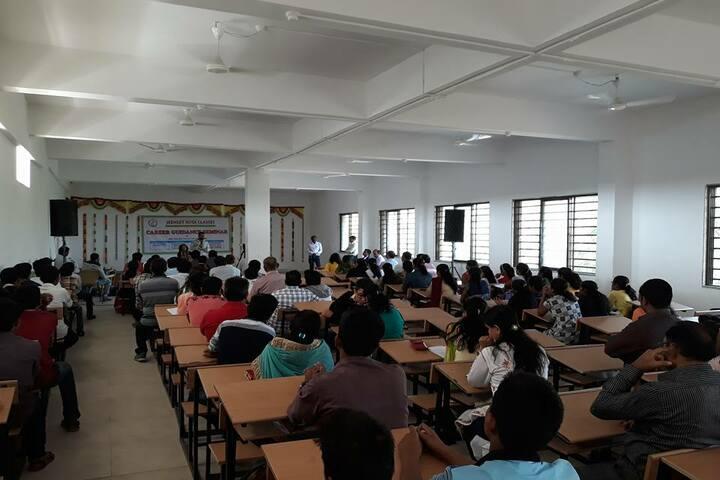 North Point School-Seminar