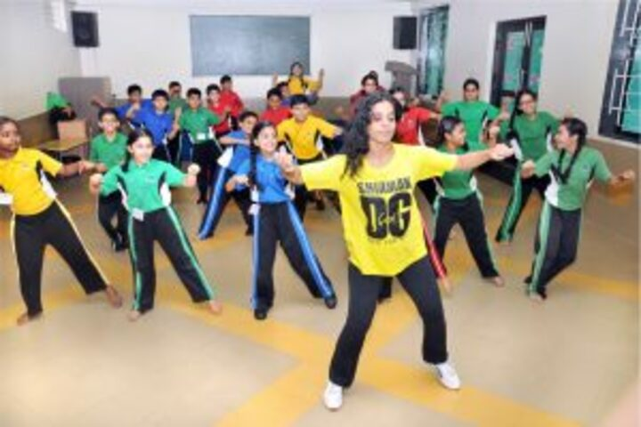 Universal High School-Dance
