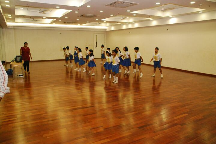 Goldcrest International-Dance room