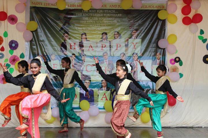 St Thomas English Medium School-Dance