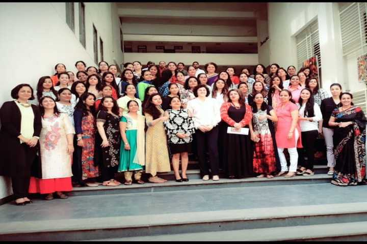 Kohinoor International School-Staff