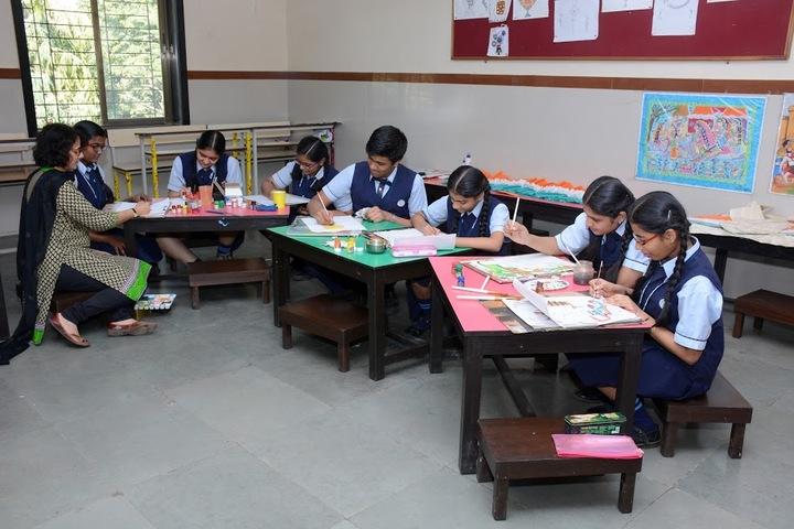 Smt H M Nanavati English High School-Art Room