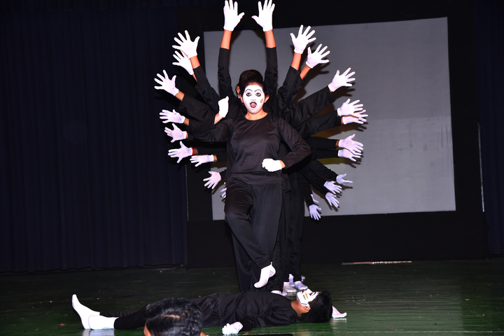 Smt H M Nanavati English High School-Fest