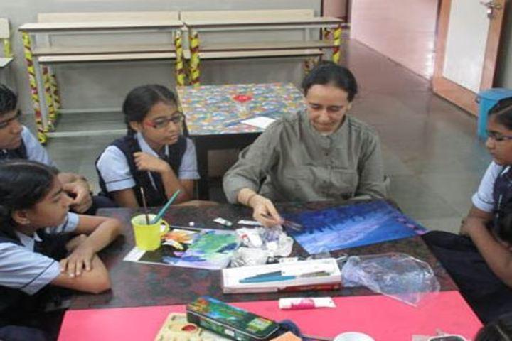 Smt H M Nanavati English High School-Painting Room