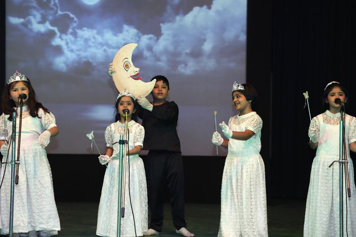 Smt H M Nanavati English High School-Singing