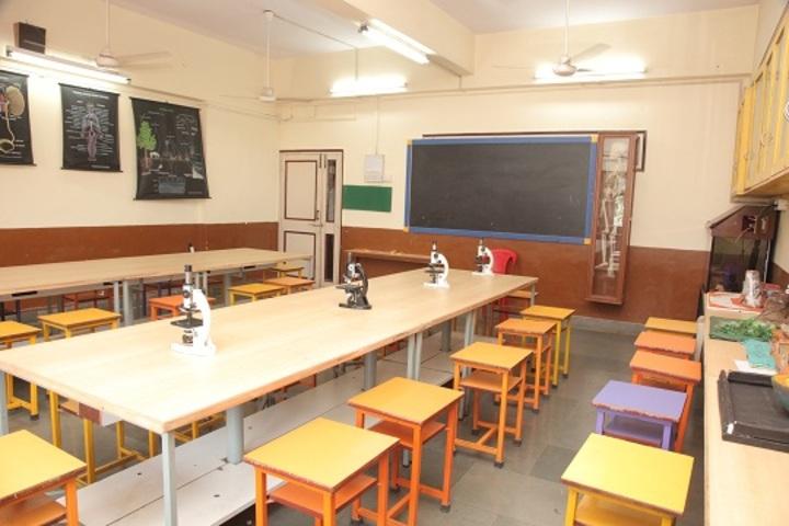 Indian Education Societys Manik Vidyamandir-Biology Lab