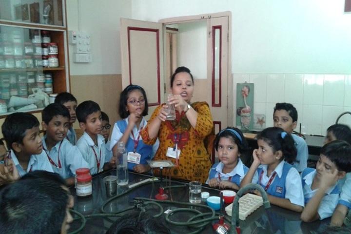 Indian Education Societys Manik Vidyamandir-Chemistry Lab