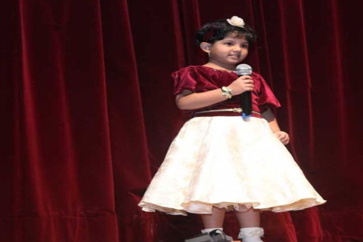Indian Education Societys Manik Vidyamandir-Singing