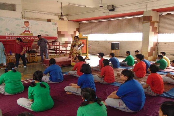 Indian Education Societys Manik Vidyamandir-Yoga Day