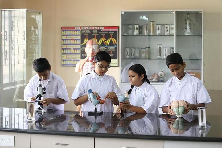 Oxford International School-Biology Lab