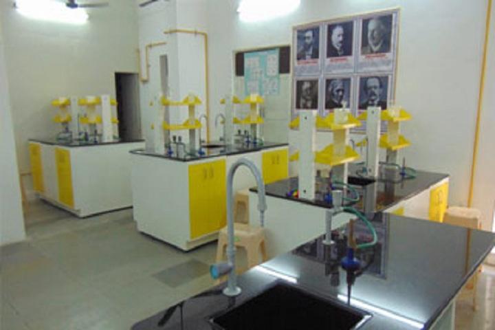 Daffodils High Public School-Chemsitry lab