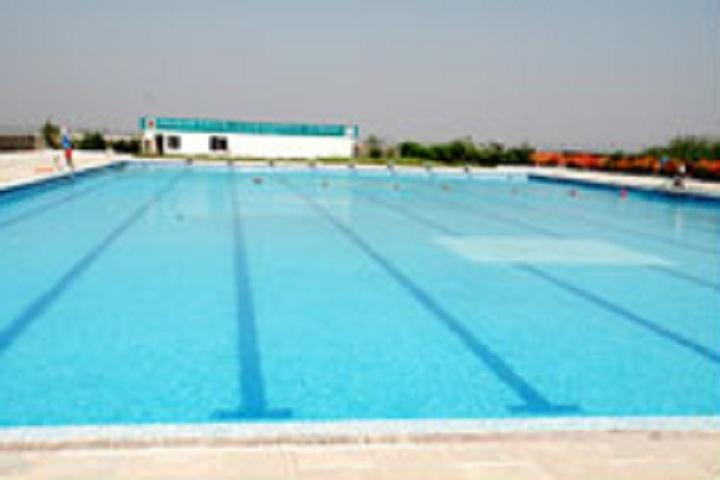 D Y Patil International School-Swimming pool