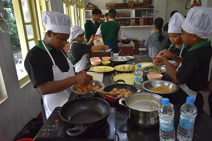 St Edmunds School-Cooking competitions