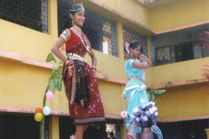 Happy Home School-Traditional Dance