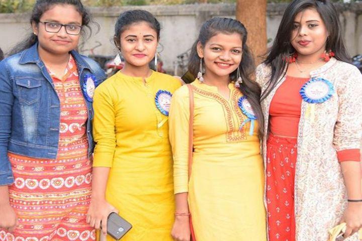 Carmel Convent School-Students