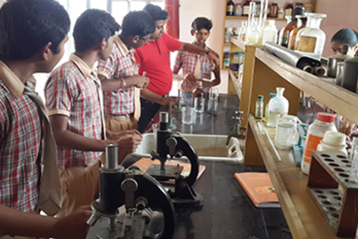 Loreto English School - Chemistry lab