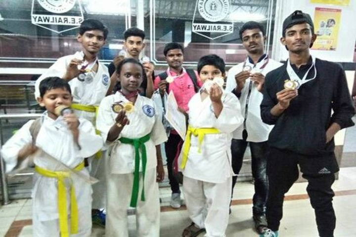 Saint Thomas English School - Karate