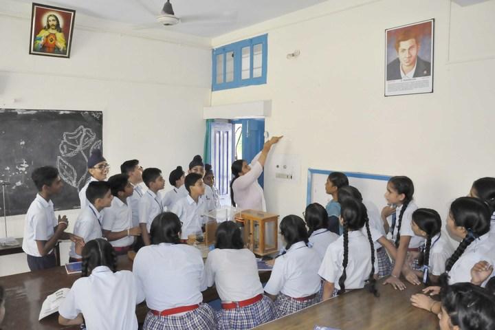 Assumption Convent School-Physics Lab
