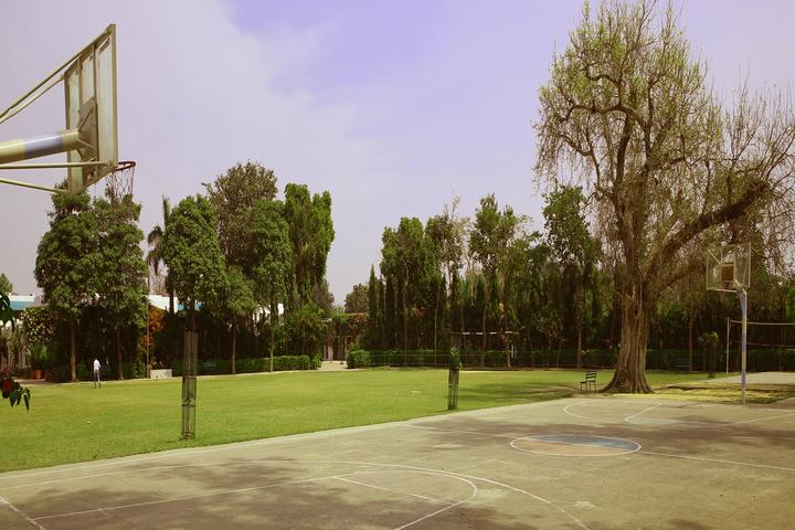 S D Model School-Ground