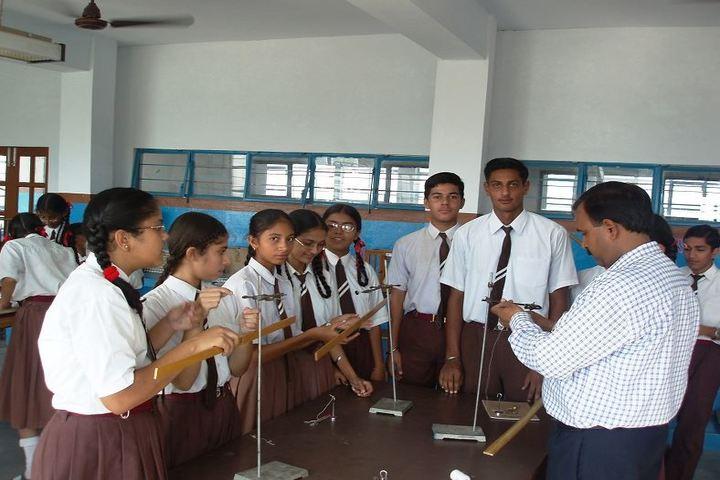 Mount Carmel School-Physics Lab