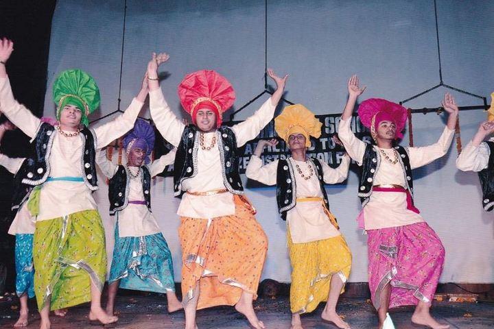 Cedar Spring High School - Traditional Dance