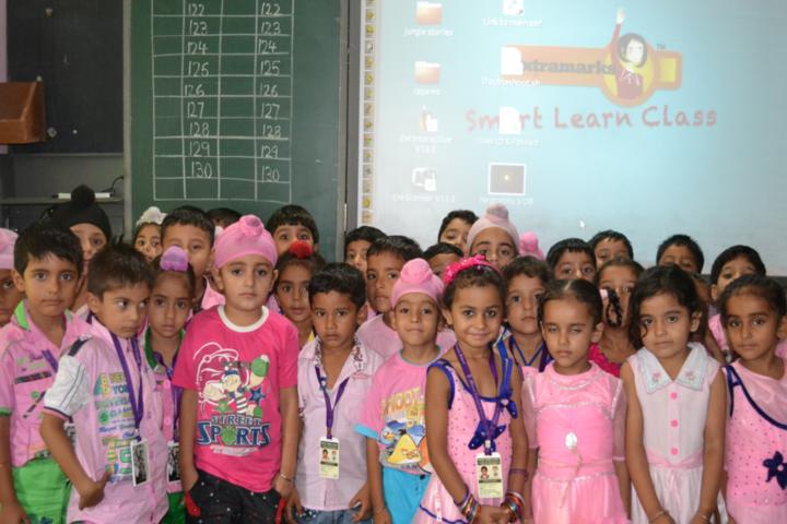 Mount Carmel School-Pink Day