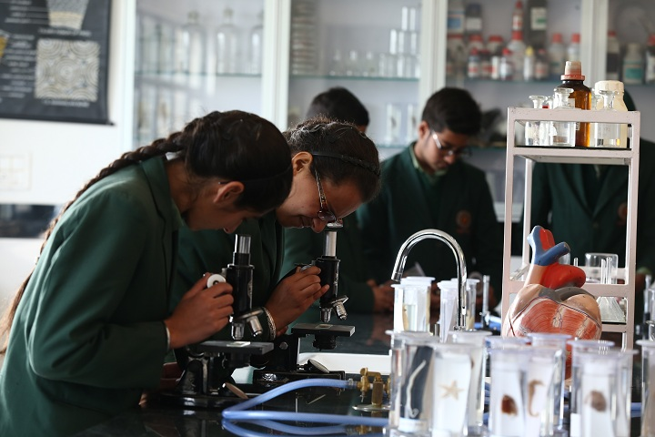 Gobind International Public School-Science Lab