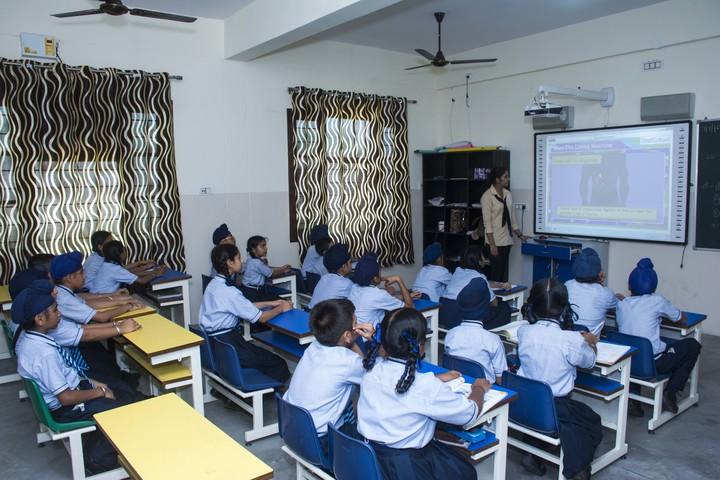 U K International School-Classroom