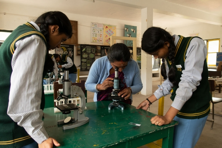 Brindavan Public School-Biology Lab