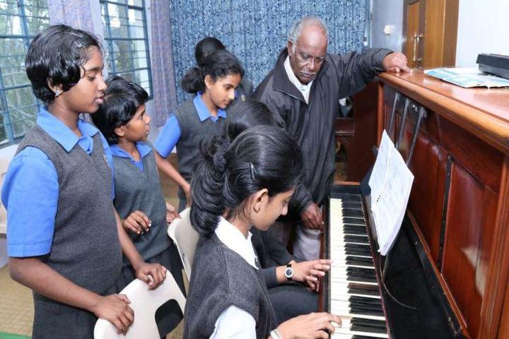 St Hildas School-Music Class