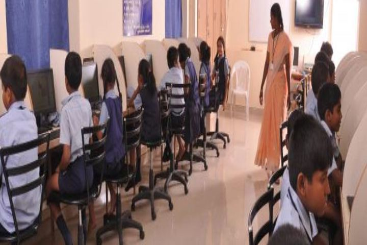 Virudhunagar T S M Manickam Nadar Janaki Ammal School-Computer Lab