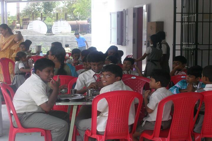 Brindavan Vidyalaya-Cafeteria