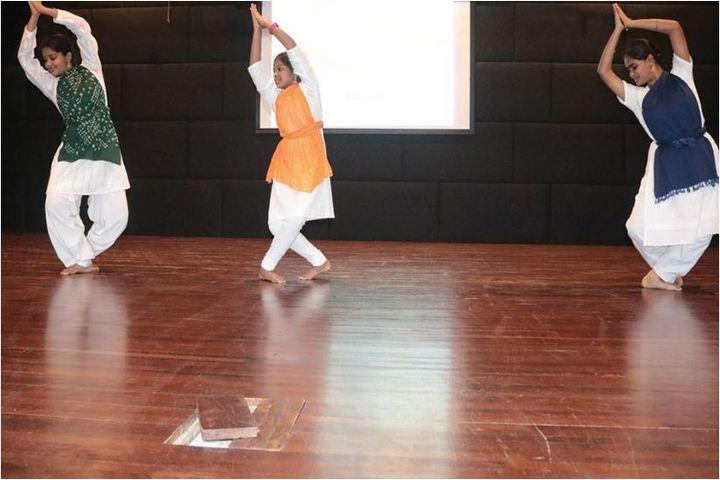 Chettinad Hari Shree Vidyalayam-Dancing Activity