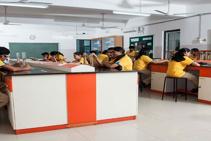 Vaels International School-Physics Lab