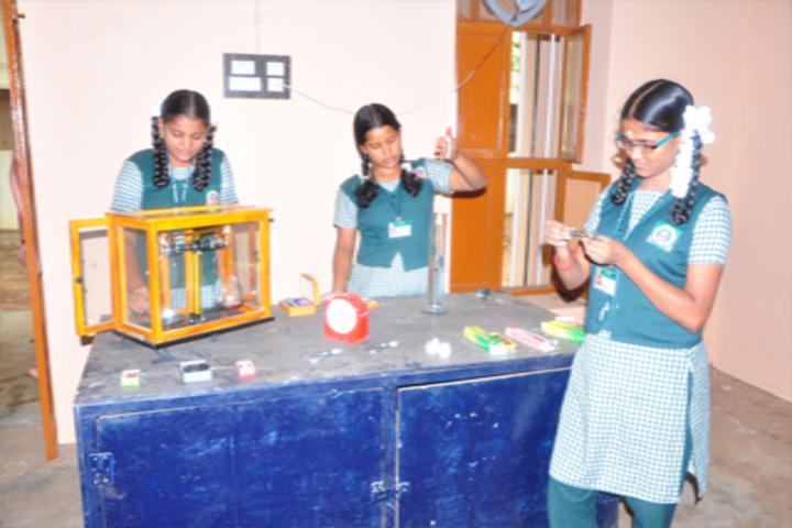 Lotus An Venkatachalam Chettiar School-Science Lab