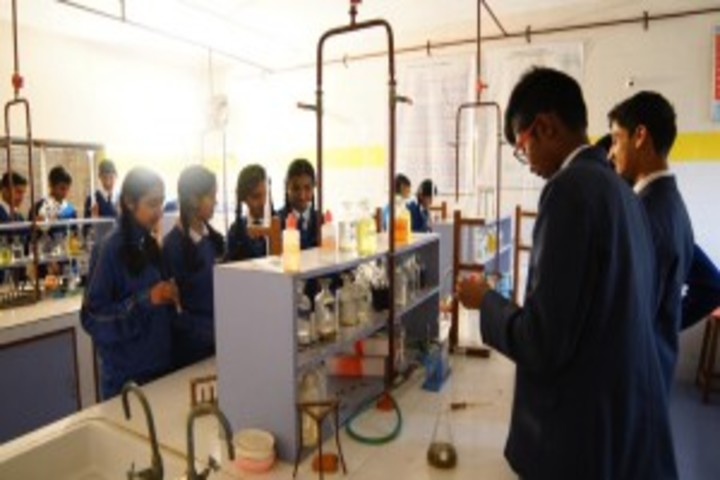 Crescent Castle Public School-Chemistry Lab