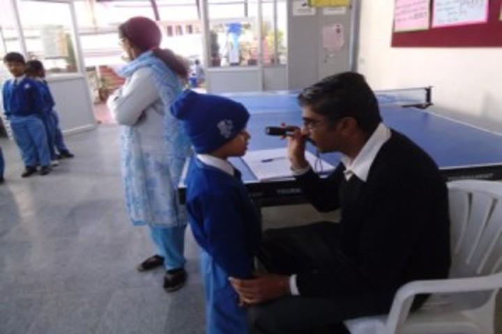 Crescent Castle Public School-Medical Checkup