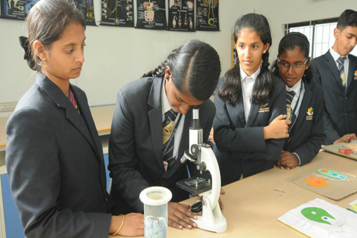 Dr Dasarathan International School-Biology Lab