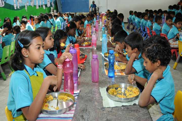 Dr Dasarathan International School-Cafeteria