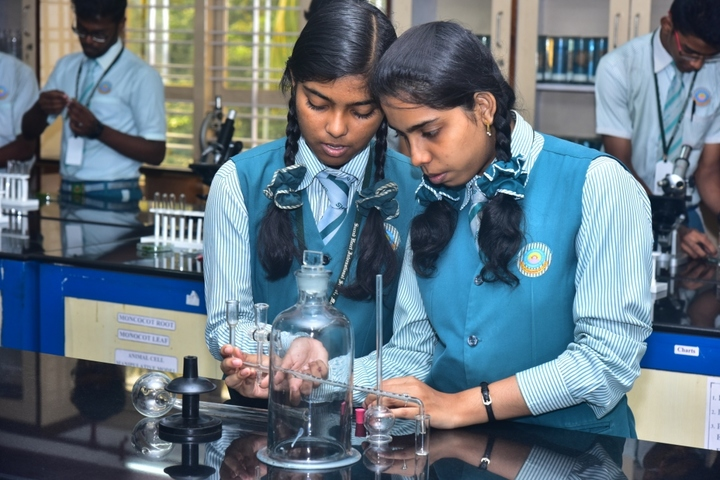 Sacred Heart International School-Biology Lab