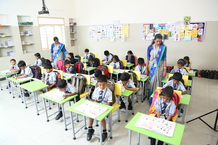 Carmel International School-Primary Classroom