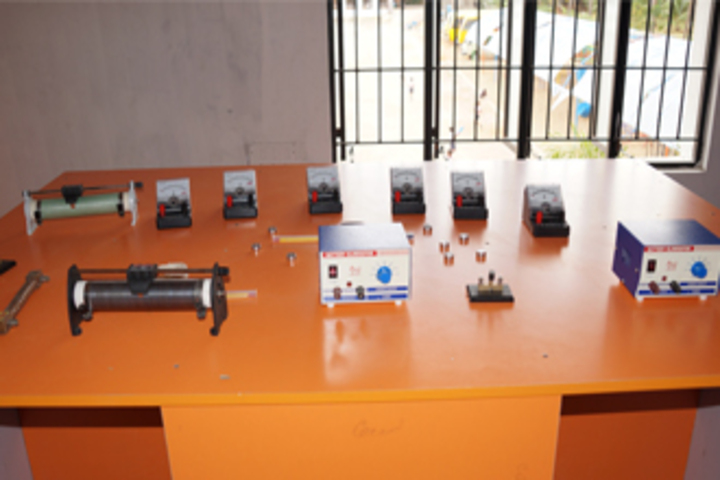 Aachi International School-Physics Lab