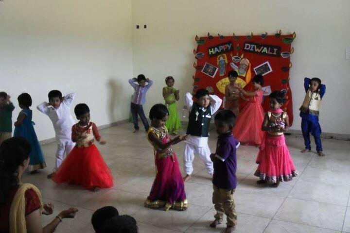 Bharathi Vidhyaa Kendhra School-Diwali Celebration